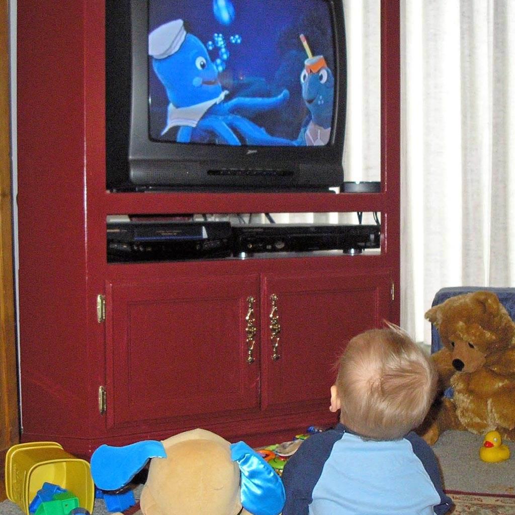 televizor copil privit (http.blogs.webmd.com)