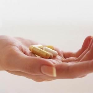 medicamente mana femeie (http.todaysseniorsnetwork.com)