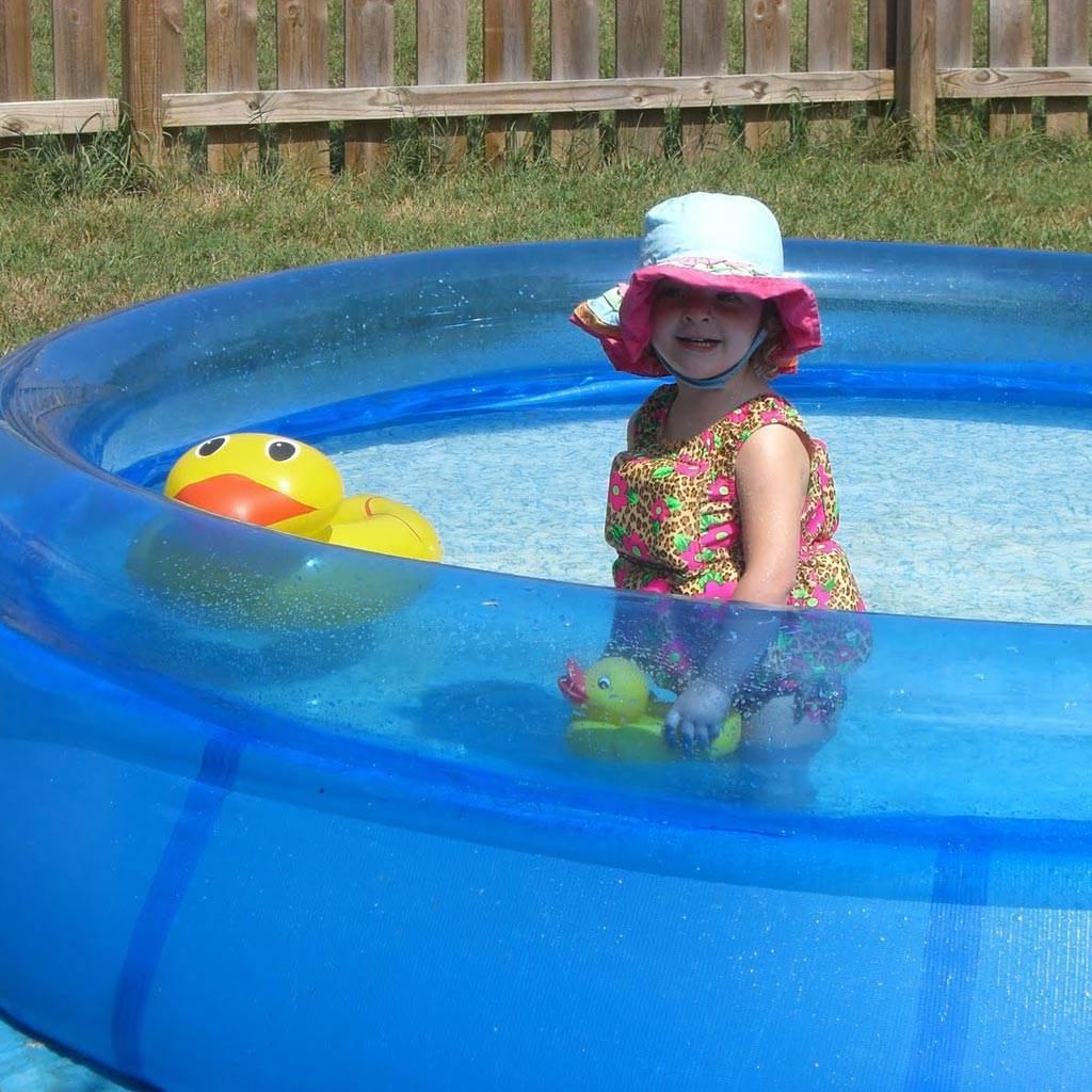 copil piscina apa (http://2.bp.blogspot.com)