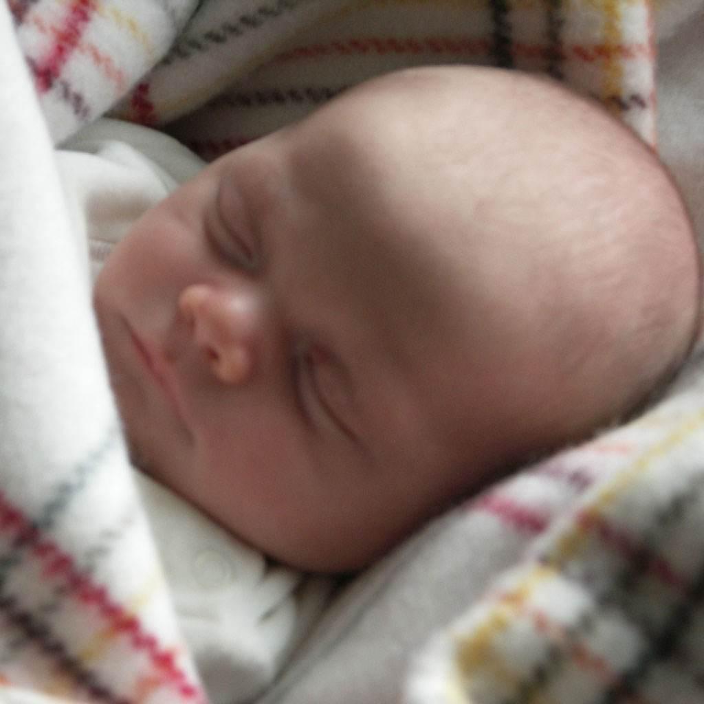 nou nascut bebelus (www.healthcareadvices.com)