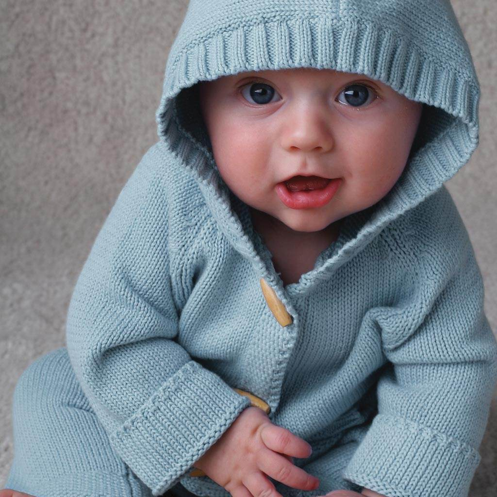 bebelus hanorac (www.babycaredaily.com)