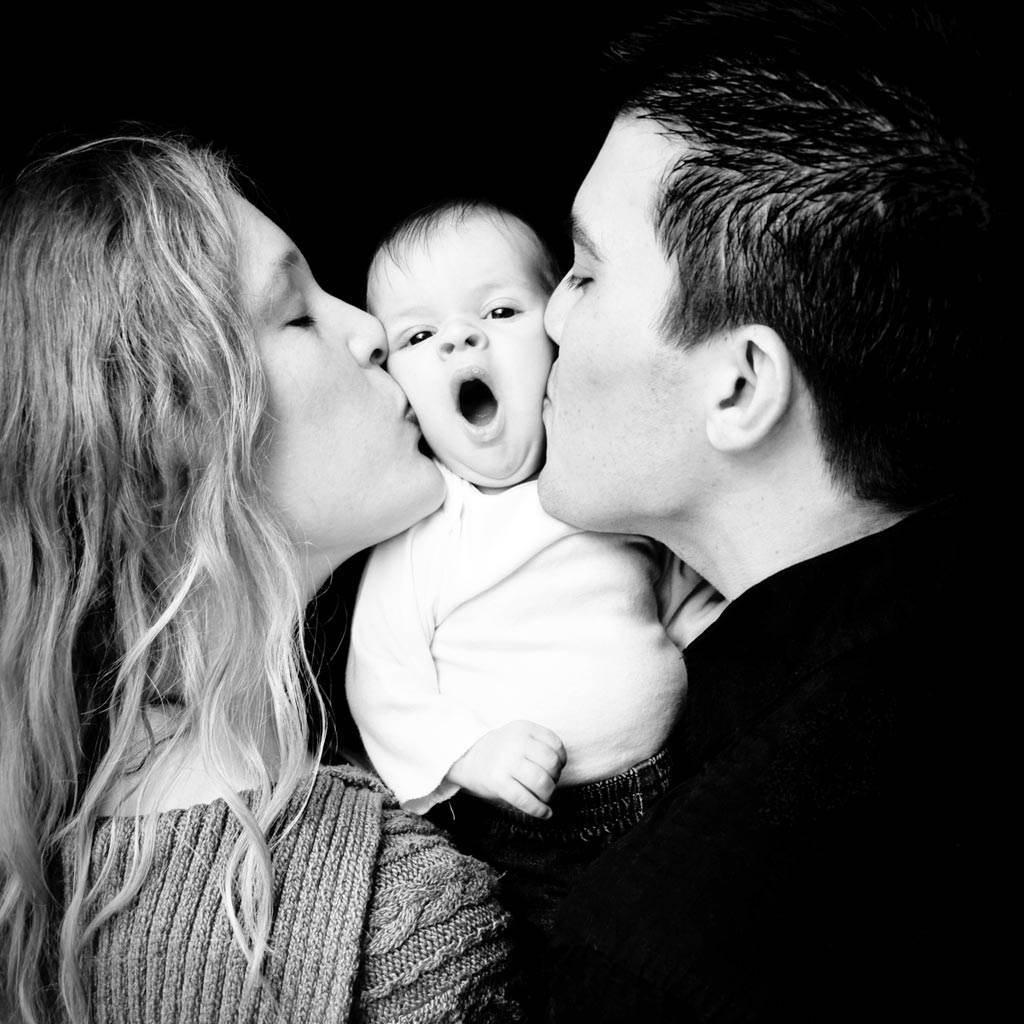 tatal familie bebelus (http://whentimestoodstillphotography.files.wordpress.com)