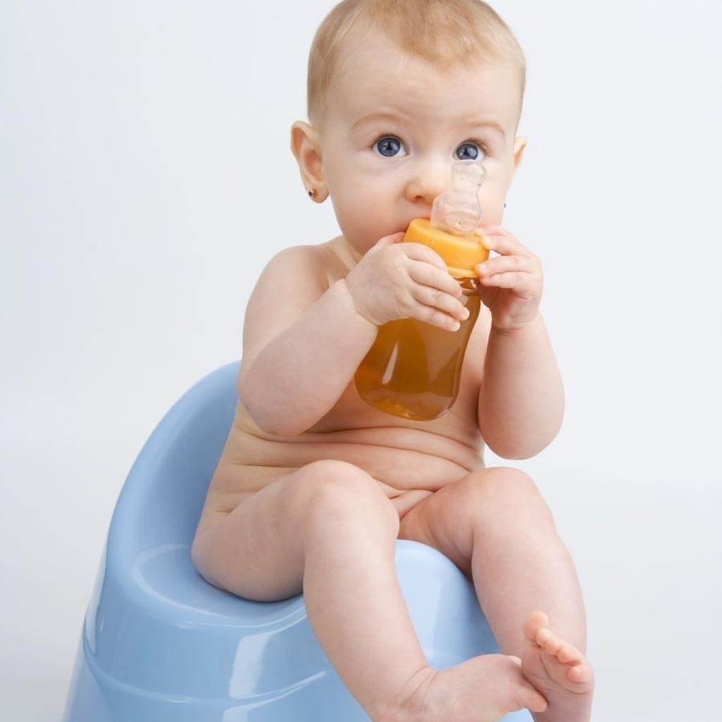bebelus pe olita (www.clicksanatate.ro)