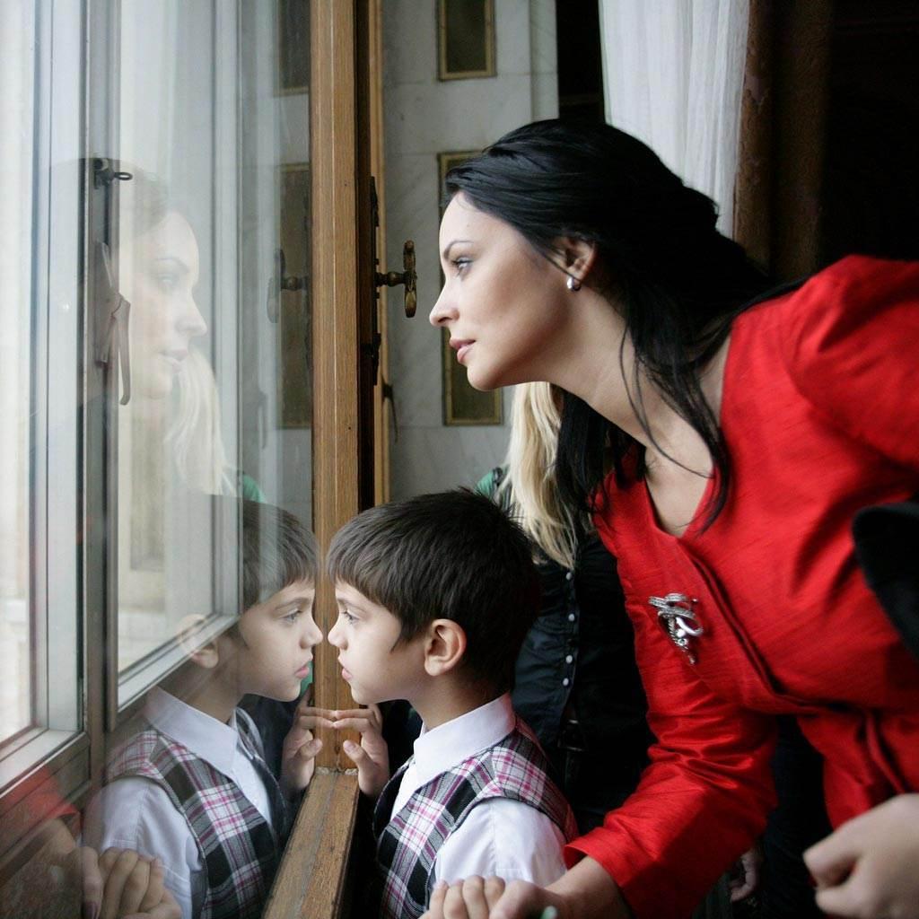 copil autist (www.121.ro)