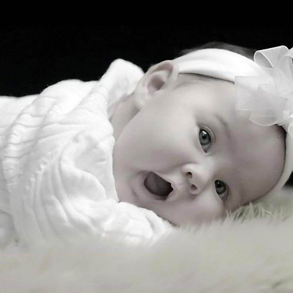 fetita bebelus (www.imotion.com.br)