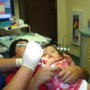 copil la dentist (http://1.bp.blogspot.com)