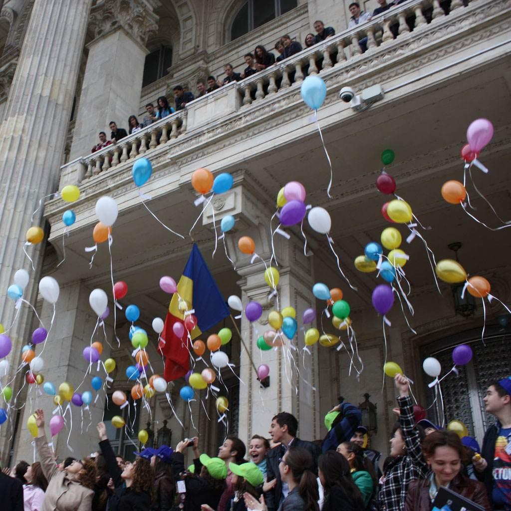 copii cu baloane (FONPC)