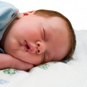 bebelus care doarme (www.webmastergrade.com)
