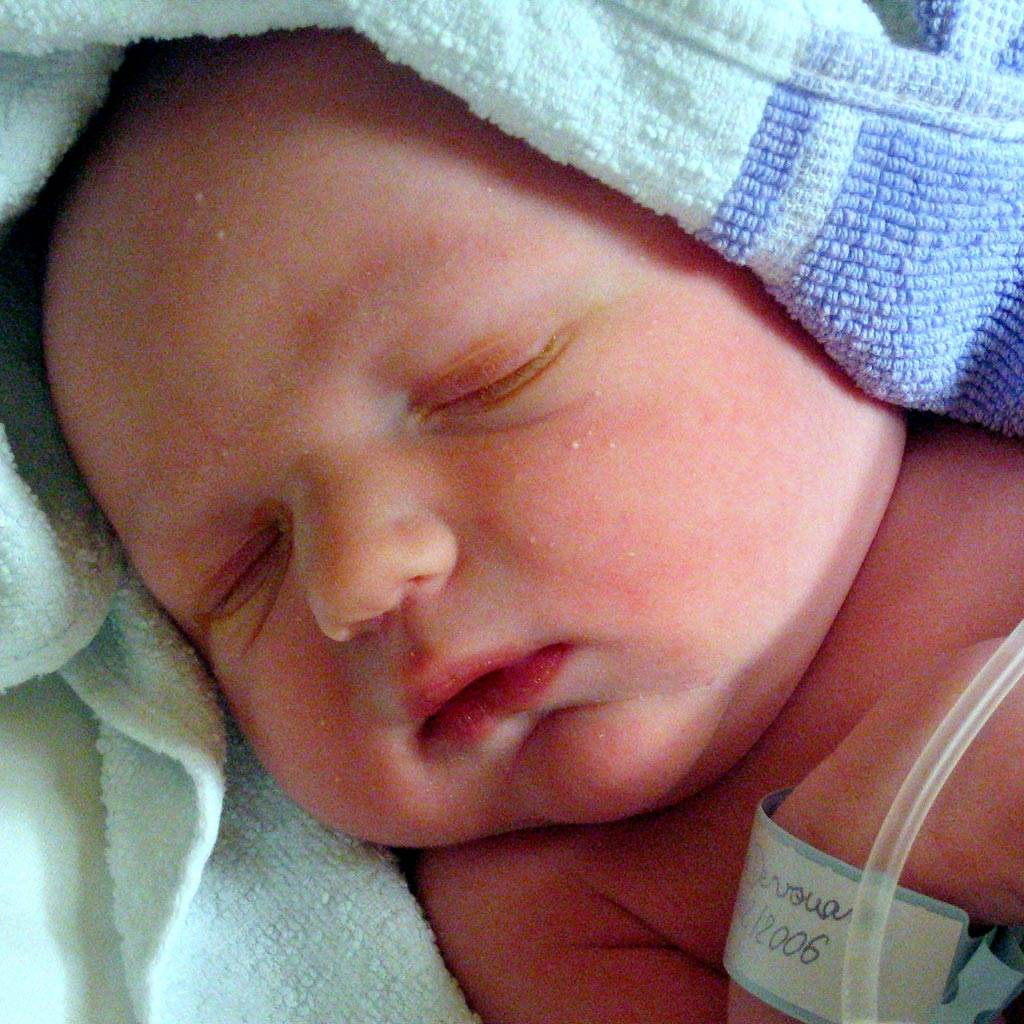bebelus prematur (www.dimensionguide.com)