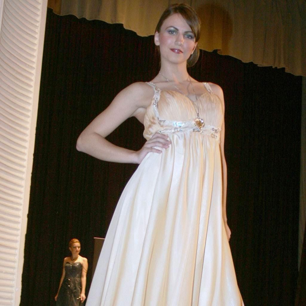 rochie de seara (www.allshops.ro)