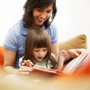 mama si copilul la lectii (www.dr-taberei.ro)