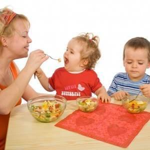 copii care mananca salata (www.lh3.ggpht.com)