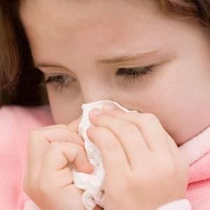 fetita bolnava (www.flusymptomsfever.com)