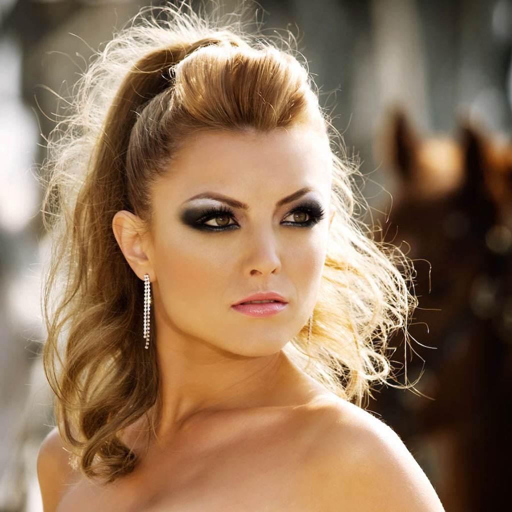 elena gheorghe (www.starsstreet.ro)