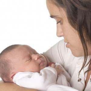 mama si bebelusul (www.ovia.ro)