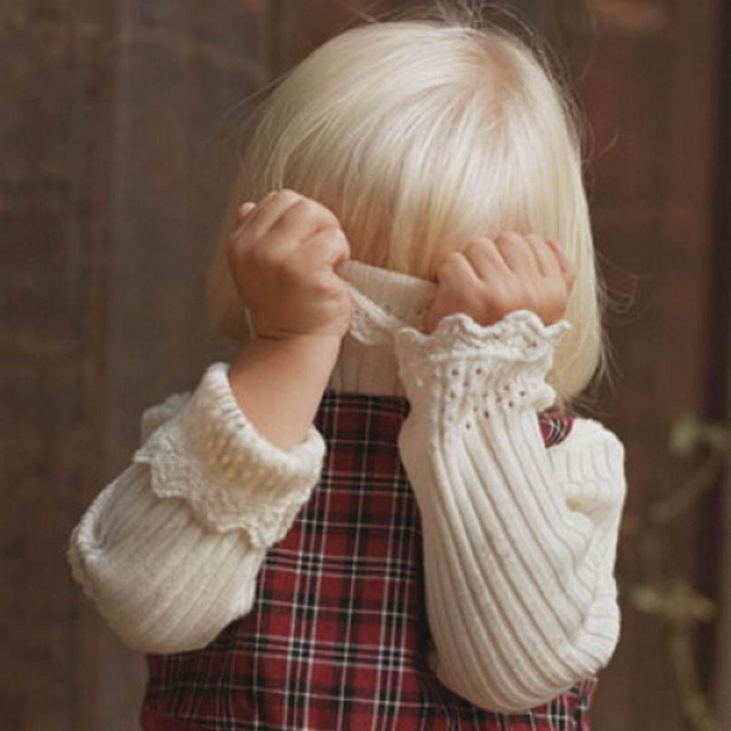 copil timid (www.sanatate.bzi.ro)
