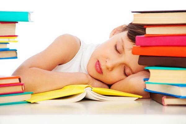 fetita-scoala-somn