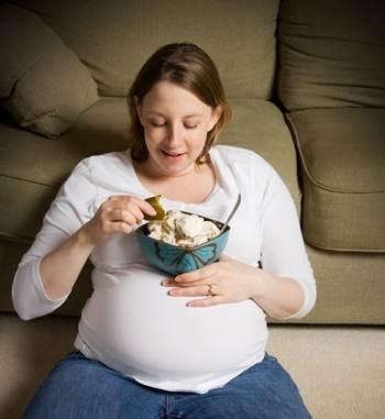 Greutatea în timpul sarcinii. Câte kilograme ar trebui să iei în cele 9 luni