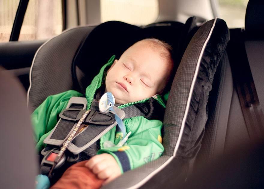 baby-boy-sleeping-in-car-seat