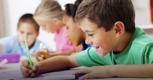 Cum dezvolt creativitatea copilului meu?